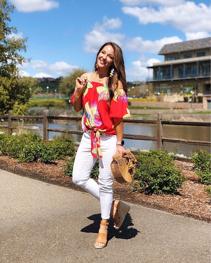 Everyday Holly Blog Weekly Round up - style fashion Pink Lily Dropps eco friendly laundry detergent TOMS shoes