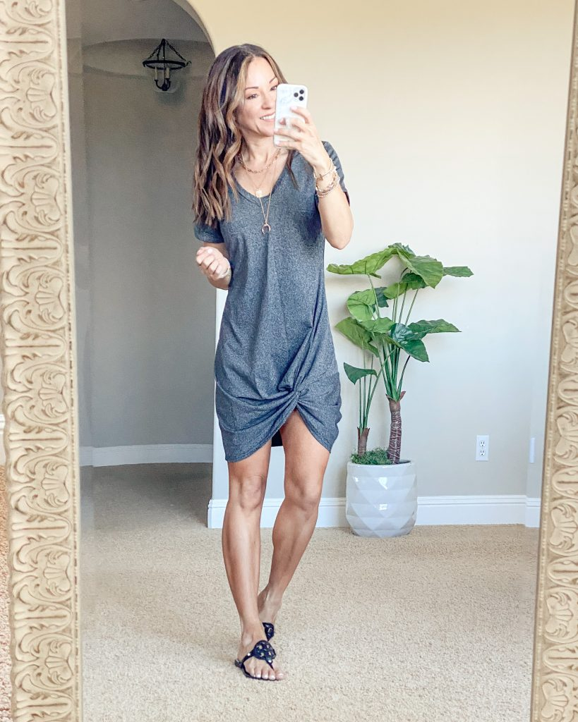 everyday casual style // t shirt dress //comfy style // afforadable fashion